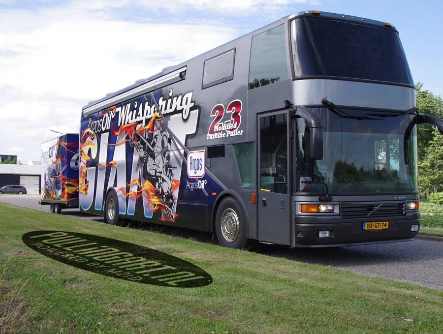 Bus Whispering Giant